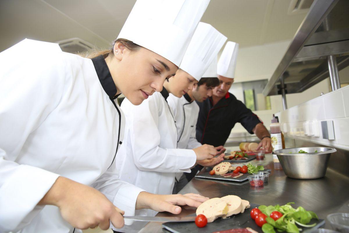 Kucharz wybierz zaw d dla siebie zawody w polsce - Stage commis de cuisine ...